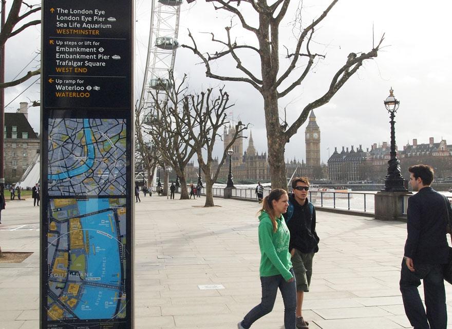 Legible London wayfinding