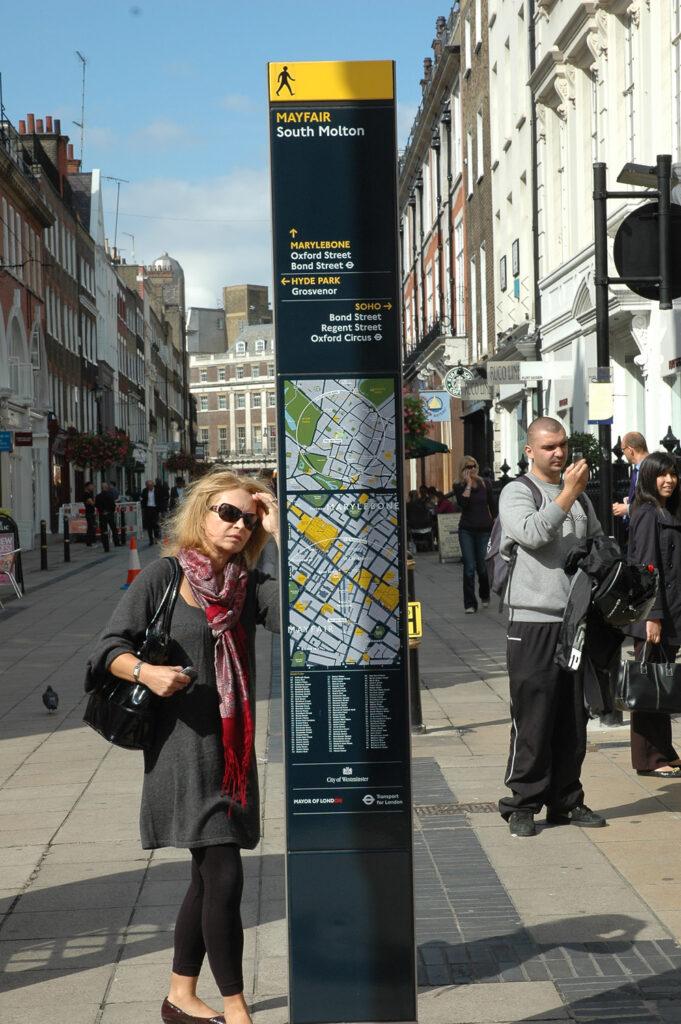 Legible London wayfinding sign